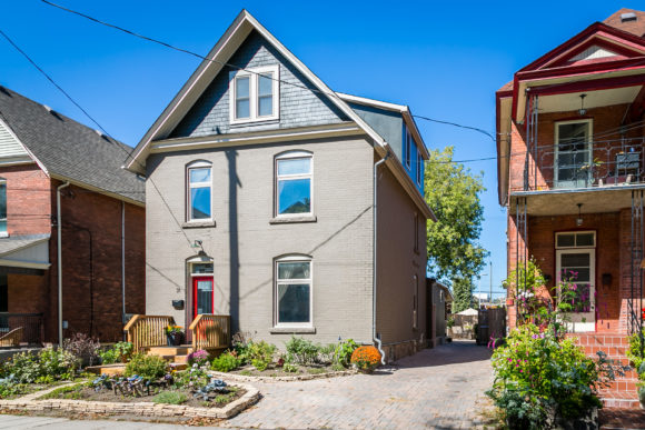 Updated & Upgraded in the Glebe